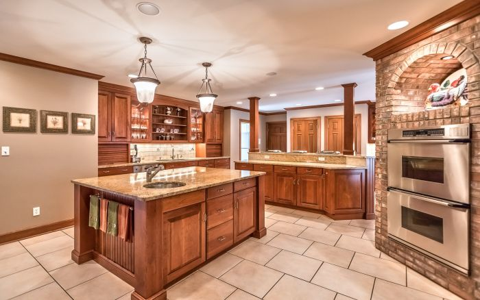 franklin park luxury homes for sale
